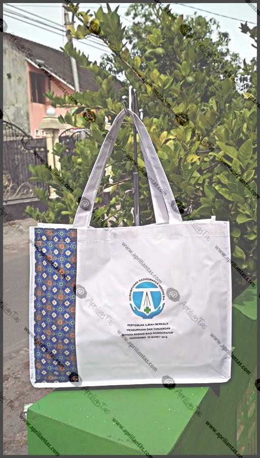 Pesan Seminar Kit Murah di Bandung, Pabrik Tas Promosi Biaya Murah produsen tas murah,produsen tas ransel,konveksi tas wanita jakarta,
