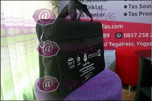 tas untuk seminar Surabaya,model tas untuk seminar Surabaya,harga tas untuk seminar kit Surabaya,harga tas untuk seminar,tas ransel untuk seminar Surabaya