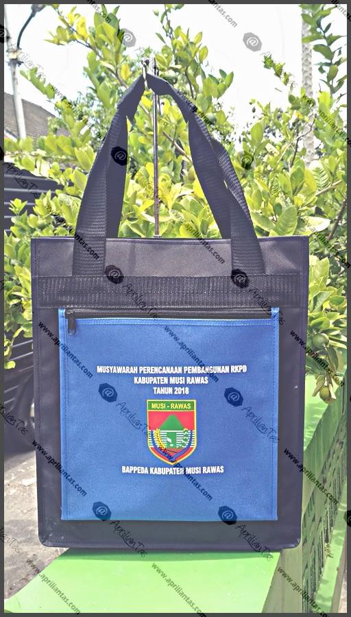 Rekomendasi Pembuatan Tas Seminar Kit Harga Ekonomis di Maklon Tas Bandung konveksi tas jakarta timur,konveksi tas kulit sintetis jakarta